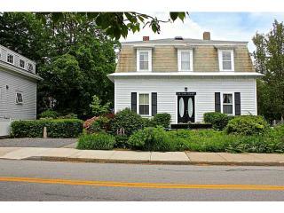 24 Van Zandt Avenue, Newport RI