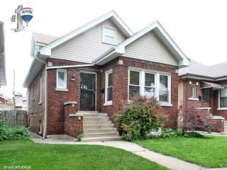 4938 West Oakdale Avenue, Chicago IL