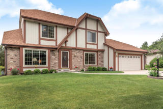 16502 West Melody Court, New Berlin WI