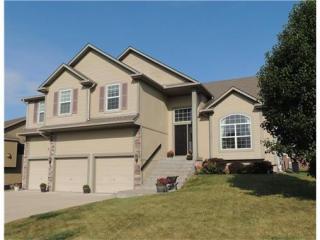310 Eagle Glen Drive, Raymore MO