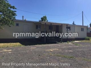 723 1/2 Adell Ave, Filer, ID 83328