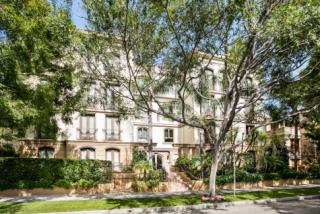 132 South Crescent Drive #101, Beverly Hills CA