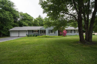 41 Ravenwood Drive, Middlebury CT