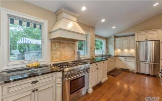 45 Townline Court, Hauppauge NY