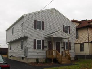 55 Cleveland St, Springfield, MA 01104