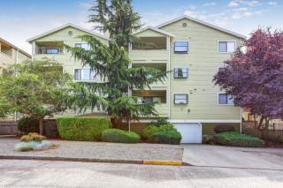 8816 Nesbit Avenue N #202, Seattle WA