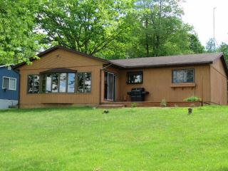 3770 South Lake Drive, Beaverton MI