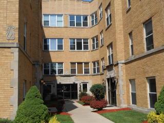 4950 North Kimball Avenue #3E, Chicago IL