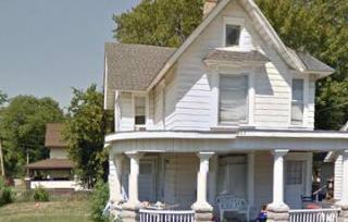 927 S 6th St, Rockford, IL 61104