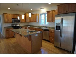 690 West Rd, Salem, CT 06420