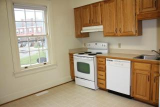 15 Hatch Ln #153B, Fort Monroe, VA 23651