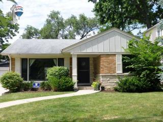 4204 Clausen Ave, Western Springs, IL 60558