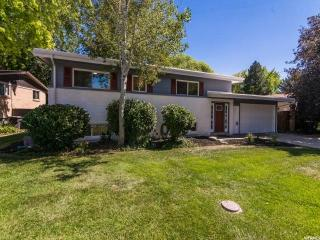5765 South Beaumont Drive, Holladay UT