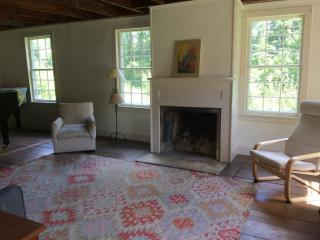40 Round Hill Rd, Great Barrington, MA 01230