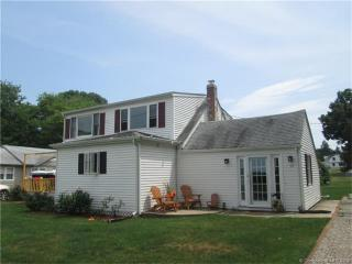 17 Bishops Bay Road, Niantic CT