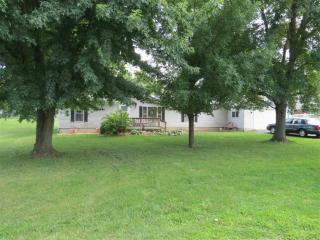 429 East Hillside Drive, Reynolds IN