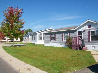 8280 Feather Holw #115, Fenton, MI 48430
