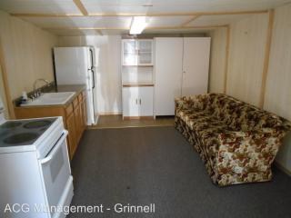 1429 Park St #3, Grinnell, IA 50112