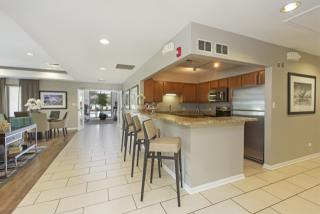 1551 E Central Rd, Arlington Heights, IL 60005