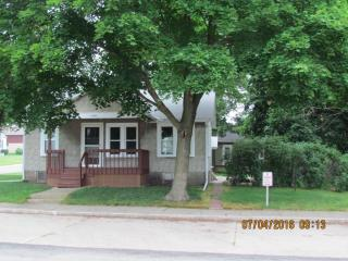 108 W Ann St, Roanoke, IL 61561