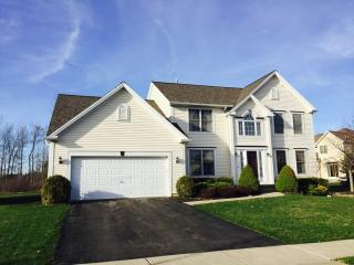 96 Crown Royal Dr, Buffalo, NY 14221