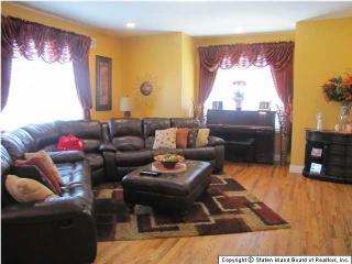 1576 Drumgoole Road West, Staten Island NY