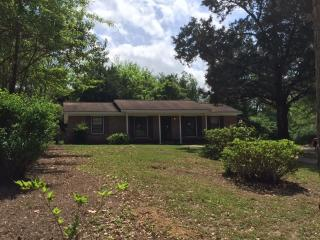 102 E Shore Dr, Brewton, AL 36426