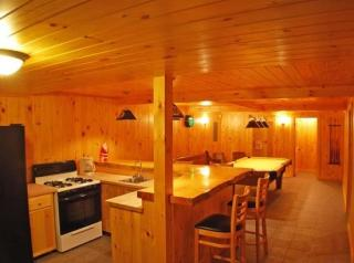 15 Maple St, Northport, ME 04849