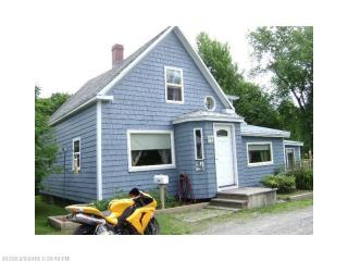 34 Margin St, Orono, ME 04473