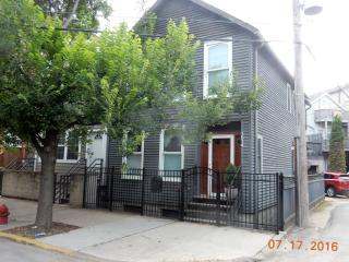 1814 N Sheffield Ave, Chicago, IL 60614