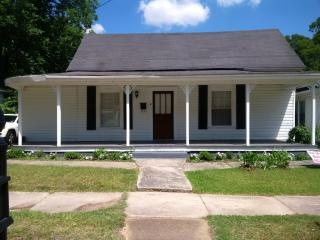 1304 Central St, Water Valley, MS 38965