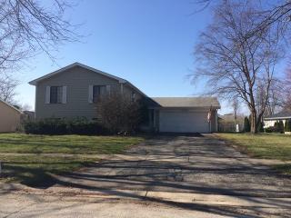 2345 Bayside Drive, Hanover Park IL
