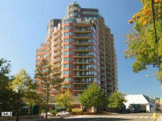 25 Forest St #3H, Stamford, CT 06901