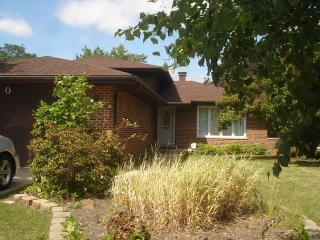1700 Valley Forge Pl, Downers Grove, IL 60516