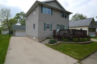 958 8th St, Marion, IA 52302