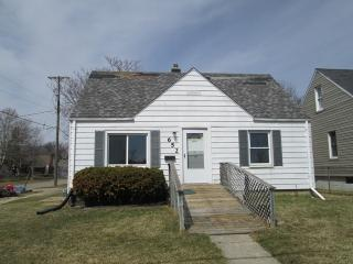 652 Ingleside Ave, Flint, MI 48507