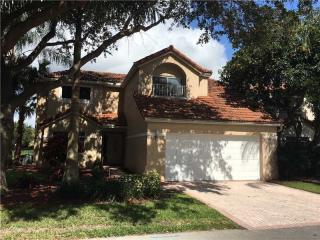 2699 Oak Park Circle, Davie FL
