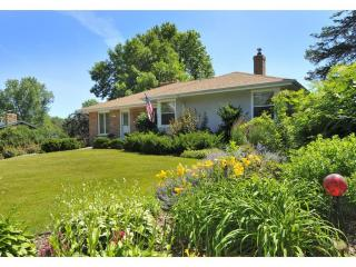 1652 James Road, Mendota Heights MN