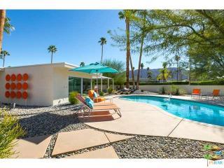 977 East Balboa Circle, Palm Springs CA