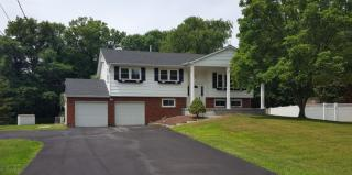 15 Chaucer Road, Manalapan NJ