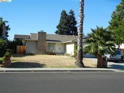 70 Cloverleaf Circle, Brentwood CA