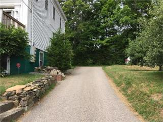 10 Orchard Ln, Mystic, CT 06355