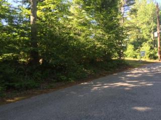 59 Lake Road, Brentwood NH