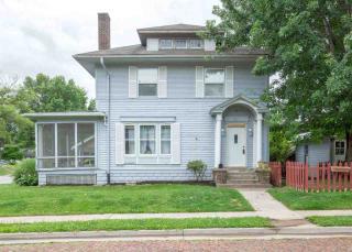 921 East High Street, Davenport IA