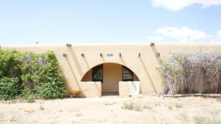 399 Meadow Lake Road, Los Lunas NM