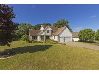 2300 Donegal Court, Hudson WI