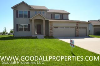 484 S 82nd St, West Des Moines, IA 50266