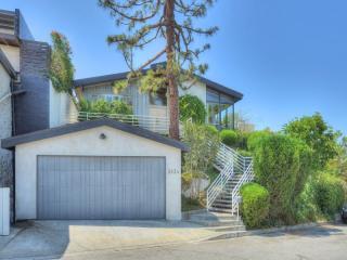 3834 Buena Park Drive, Studio City CA