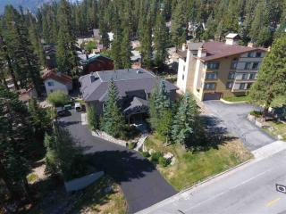 455 Lakeview Boulevard #1, Mammoth Lakes CA