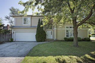 2384 Bellevue Place, Northbrook IL